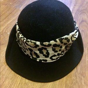 Gymboree Accessories - Gymboree black  leopard hat